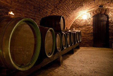 wine-cellar-with-barrels
